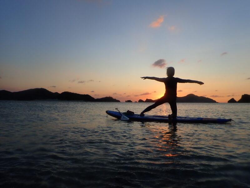 慶良間諸島でヨガ
