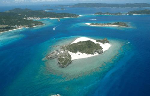 慶良間諸島の美しい海